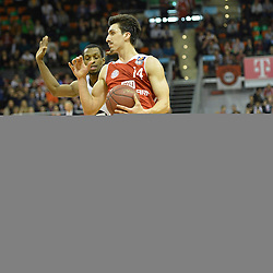 25.02.2014, Audi Dome, Muenchen, GER, Beko Basketball BL, FC Bayern Muenchen Basketball vs Artland Dragons, 22. Runde, im Bild Antonio Graves(Artland Dragons), Nihad Djedovic (FC Bayern Muenchen Basketball), v li Aktion // during the Beko Basketball Bundes league 22. round match between FC Bayern Munich Basketball and Artland Dragons at the Audi Dome in Muenchen, Germany on 2014/02/25. EXPA Pictures © 2014, PhotoCredit: EXPA/ Eibner-Pressefoto/ Buthmann<br /> <br /> *****ATTENTION - OUT of GER*****