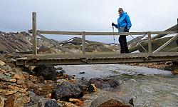 05-07-2014 NED: Iceland Diabetes Challenge dag 1, Landmannalaugar <br /> Vandaag ging de challenge van start. Met een bus gingen we van Vogar naar Landmannalaugar en zagen we de eerste tekenen van het prachtige landschap van IJsland / Sandra