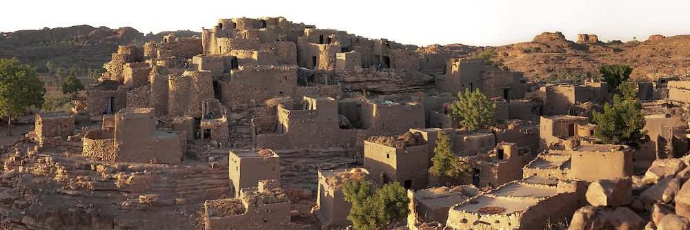 Panoramic view of the dogon village of Niongono at sunset, Mali.