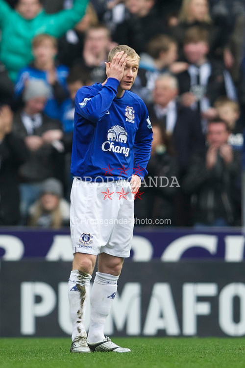 NEWCASTLE, ENGLAND - Saturday, March 5, 2011: Everton's Tony Hibbert looks dejected as Newcastle United score the opening goal during the Premiership match at St. James' Park. (Photo by David Rawcliffe/Propaganda)
