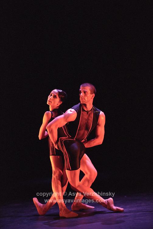 "Oxana Panchenko and William Trevitt in Christopher Wheeldon's ""Mesmerics"". George Piper Dances"