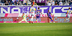 21.04.2019, Generali Arena, Wien, AUT, 1. FBL, FK Austria Wien vs LASK, Meistergruppe, 26. Spieltag, im Bild Joao Klauss de Mello (LASK) zum 1:0 // Joao Klauss de Mello (LASK) scores the 1:0 during the tipico Bundesliga Master group, 26th round match between FK Austria Wien and LASK at the Generali Arena in Wien, Austria on 2019/04/21. EXPA Pictures © 2019, PhotoCredit: EXPA/ Florian Schroetter