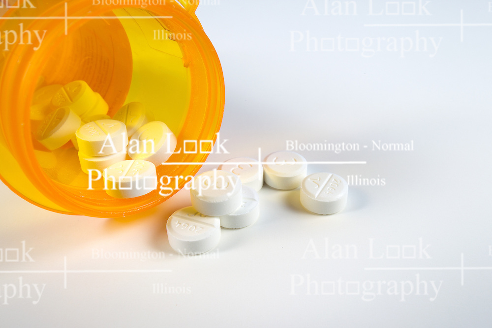 13 April 2014:   pills and caplets of prescription medicine.  antibiotic and pain killers