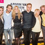 NLD/Amsterdam/20161021 - Armin van Buuren Live at the Van Gogh Museum, Armin met partner Erika van Thiel, broer Eller en partner moeder en vader Joep van Buuren