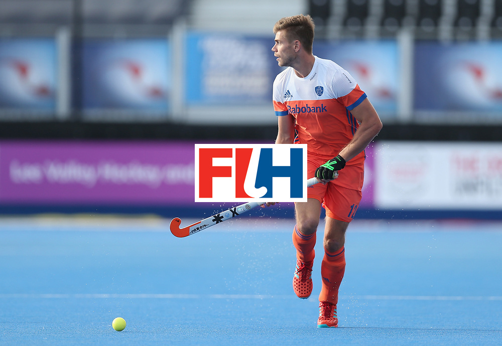 LONDON, ENGLAND - JUNE 15:  Sander de Wijn of the Netherlands during the Hero Hockey World League Semi Final match between Netherlands and Pakistan at Lee Valley Hockey and Tennis Centre on June 15, 2017 in London, England.  (Photo by Alex Morton/Getty Images)