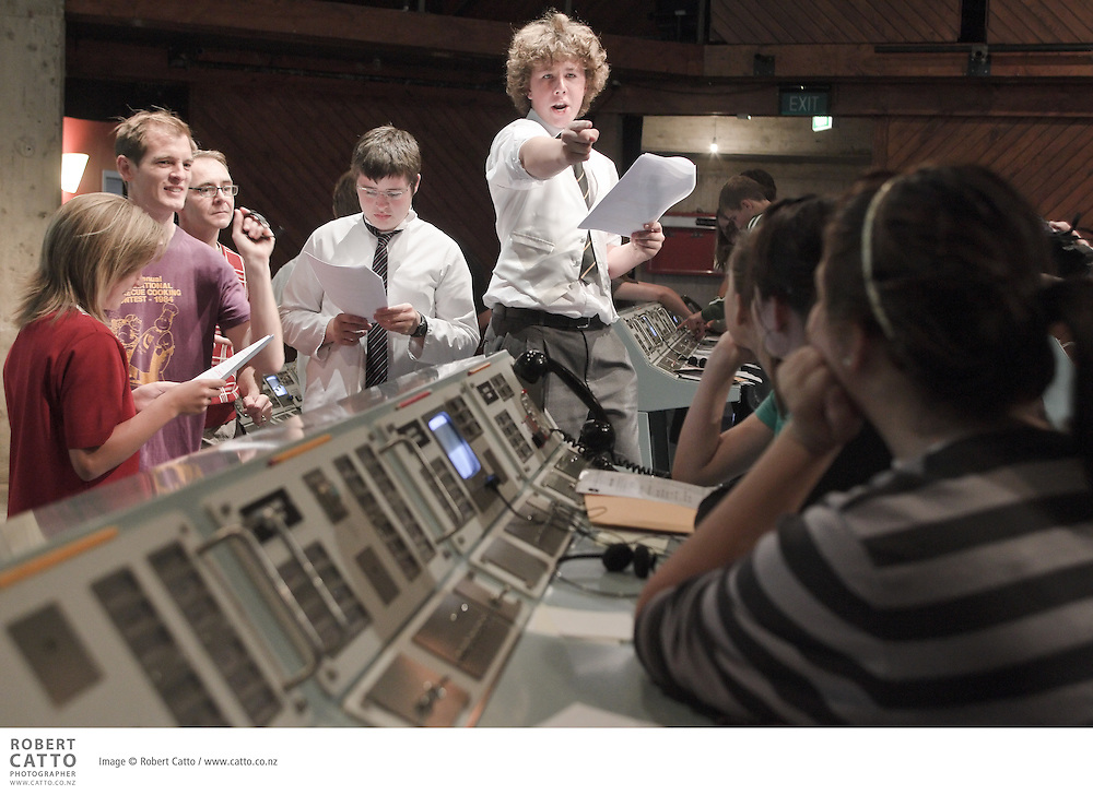 The Schoolfest programme in the New Zealand International Arts Festival gets kids and artists together to share, learn, and exchange ideas.  In this workshop, the cast and crew of Apollo 13 lead students through Mission Control.