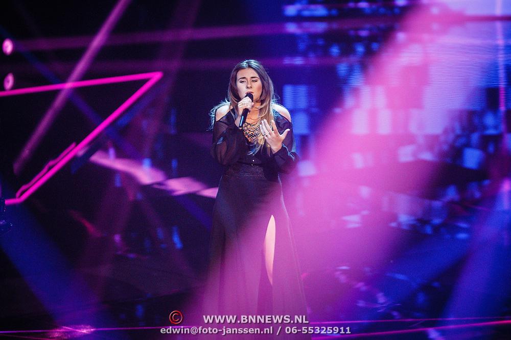 NLD/Hilversum/20160122 - 6de live uitzending The Voice of Holland 2016, Melissa Janssen