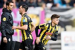 (L-R) Richard Martens, Thomas Bruns of Vitesse, Mason Mount of Vitesse during the Dutch Eredivisie match between Vitesse Arnhem and PEC Zwolle at Gelredome on November 05, 2017 in Arnhem, The Netherlands