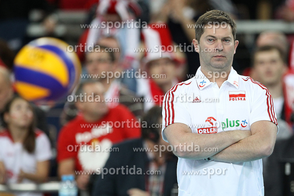 04.01.2014, Atlas Arena, Lotz, POL, FIVB, Damen WM Qualifikation, Polen vs Spanien, im Bild PIOTR MAKOWSKI TRENER ( HEAD COACH ) SYLWETKA // PIOTR MAKOWSKI TRENER ( HEAD COACH ) SYLWETKA during the ladies FIVB World Championship qualifying match between Poland and Spain at the Atlas Arena in Lotz, Poland on 2014/01/04. EXPA Pictures &copy; 2014, PhotoCredit: EXPA/ Newspix/ Maciej Goclon<br /> <br /> *****ATTENTION - for AUT, SLO, CRO, SRB, BIH, MAZ, TUR, SUI, SWE only*****