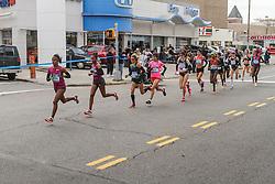 NYC Marathon, Deba leads pack