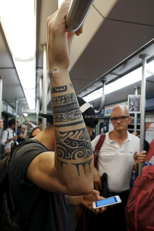 Milan, Look down generation, in the metro