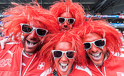 19.06.2016, Stade Pierre Mauroy, Lille, FRA, UEFA Euro, Frankreich, Schweiz vs Frankreich, Gruppe A, im Bild Schweiz Fans der Nati // Switzerland Supporter during Group A match between Switzerland and France of the UEFA EURO 2016 France at the Stade Pierre Mauroy in Lille, France on 2016/06/19. EXPA Pictures © 2016, PhotoCredit: EXPA/ JFK