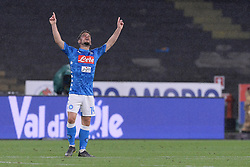 05.05.2019, Stadio San Paolo, Neapel, ITA, Serie A, SSC Napoli vs Cagliari Calcio, 35. Runde, im Bild Dries Mertens (SSC Napoli) esulta dopo aver segnato la rete dell'1-1 // Dries Mertens (SSC Napoli) celebrates after scoring the 1-1 goal. during the Seria A 35th round match between SSC Napoli and Cagliari Calcio at the Stadio San Paolo in Neapel, Italy on 2019/05/05. EXPA Pictures © 2019, PhotoCredit: EXPA/ laPresse/ Cafaro<br /> <br /> *****ATTENTION - for AUT, SUI, CRO, SLO only*****
