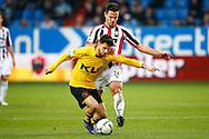20-12-2015 VOETBAL:WILLEM II-RODA JC:TILBURG<br /> Guus Joppen van Willem II in duel met Daniel de Silva<br /> <br /> Foto: Geert van Erven