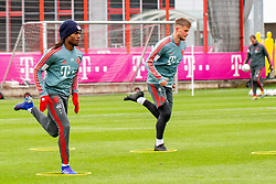 14.03.2019, Säbener Strasse, Muenchen, GER, 1. FBL, FC Bayern Muenchen vs 1. FSV Mainz 05, Training, im Bild v.l. Renato Sanches (FC Bayern), Lars Lukas Mai (FC Bayern) // during a trainings session before the German Bundesliga 26th round match between FC Bayern Muenchen and 1. FSV Mainz 05 at the Säbener Strasse in Muenchen, Germany on 2019/03/14. EXPA Pictures © 2019, PhotoCredit: EXPA/ Lukas Huter
