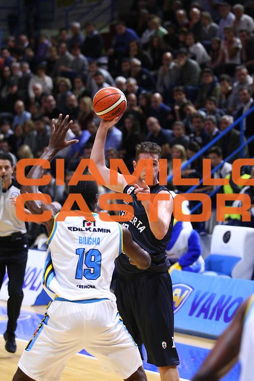 DESCRIZIONE : Cremona Lega A 2015-2016 Vanoli Cremona Pasta Reggia Caserta<br /> GIOCATORE :  Valerio Amoroso<br /> SQUADRA : Pasta Reggia Caserta  <br /> EVENTO : Campionato Lega A 2015-2016<br /> GARA : Vanoli Cremona Pasta Reggia Caserta<br /> DATA : 18/10/2015<br /> CATEGORIA : Schema<br /> SPORT : Pallacanestro<br /> AUTORE : Agenzia Ciamillo-Castoria/F.Zovadelli<br /> GALLERIA : Lega Basket A 2015-2016<br /> FOTONOTIZIA : Cremona Campionato Italiano Lega A 2015-16  Vanoli Cremona Pasta Reggia Caserta<br /> PREDEFINITA : <br /> F Zovadelli/Ciamillo