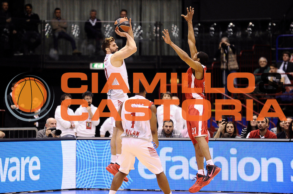 DESCRIZIONE : Milano Eurolega Euroleague 2014-15 EA7 Emporio Armani Milano Olympiacos Piraeus<br /> GIOCATORE : Linas Kleiza<br /> CATEGORIA : tiro three points controcampo<br /> SQUADRA : EA7 Emporio Armani Milano<br /> EVENTO : Eurolega Euroleague 2014-2015<br /> GARA : EA7 Emporio Armani Milano Olympiacos Piraeus<br /> DATA : 06/03/2015<br /> SPORT : Pallacanestro <br /> AUTORE : Agenzia Ciamillo-Castoria/Max.Ceretti<br /> Galleria : Eurolega Euroleague 2014-2015<br /> Fotonotizia : Milano Eurolega Euroleague 2014-15 EA7 Emporio Armani Milano Olympiacos Piraeus<br /> Predefinita :