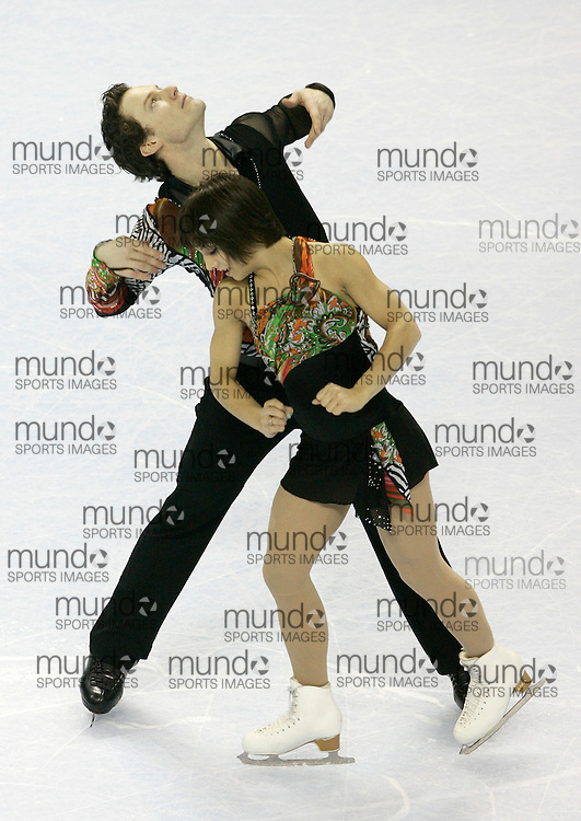 London, Ontario ---10-01-15---Meagan Duhamel and Craig Buntin compete in the pairs short program at the 2010 BMO Canadian Figure Skating Championships in London, Ontario, January 15, 2010. .GEOFF ROBINS/Mundo Sport Images..