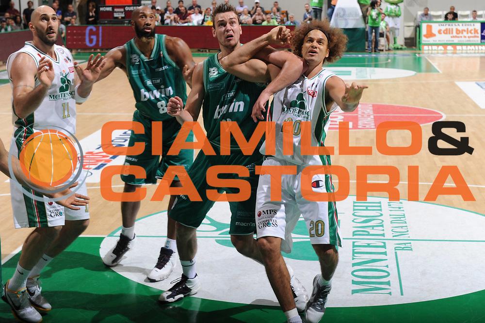 DESCRIZIONE : Treviso Lega A 2010-11 Semifinale Play off Gara 1 Montepaschi Siena Benetton Treviso <br /> GIOCATORE : Donatas Maotiejunas<br /> SQUADRA : Montepaschi Siena Benetton Treviso  <br /> EVENTO : Campionato Lega A 2010-2011<br /> GARA : Montepaschi Siena Benetton Treviso <br /> DATA : 31/05/2011<br /> CATEGORIA : Tagliafuori<br /> SPORT : Pallacanestro<br /> AUTORE : Agenzia Ciamillo-Castoria/GiulioCiamillo<br /> Galleria : Lega Basket A 2010-2011<br /> Fotonotizia : Treviso Lega A 2010-11 Semifinale Play off Gara 1 Montepaschi Siena Benetton Treviso<br /> Predefinita :