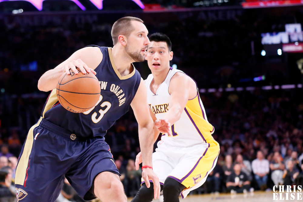 07 December 2014: New Orleans Pelicans forward Ryan Anderson (33) drives past Los Angeles Lakers guard Jeremy Lin (17) during the New Orleans Pelicans 104-87 victory over the Los Angeles Lakers, at the Staples Center, Los Angeles, California, USA.