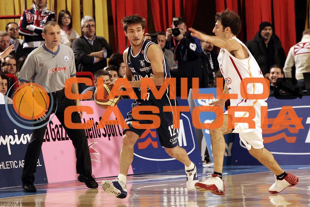 DESCRIZIONE : FORLI FINAL 8 COPPA ITALIA LEGA A1 2005<br /> GIOCATORE : POZZECCO<br /> SQUADRA : CLIMAMIO FORTITUDO BOLOGNA<br /> EVENTO : FINAL 8 COPPA ITALIA LEGA A1 2005<br /> GARA : CLIMAMIO BOLOGNA-LOTTOMATICA ROMA<br /> DATA : 18/02/2005<br /> CATEGORIA : PALLEGGIO<br /> SPORT : Pallacanestro<br /> AUTORE : AGENZIA CIAMILLO &amp; CASTORIA/P.LAZZERONI