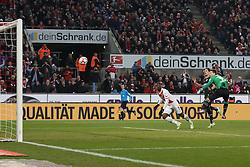 21.02.2015, RheinEnergieStadion, Köln, GER, 1. FBL, 1. FC Köln vs Hannover 96, 22. Runde, im Bild Anthony Ujah (1. FC Koeln #9) mit dem Kopfball Tor zum Ausgleich, 1:1 gegen Torwart Ron-Robert Zieler (Hannover 96 #1) // during the German Bundesliga 22nd round match between 1. FC Cologne and Hannover 96 at the RheinEnergieStadion in Köln, Germany on 2015/02/21. EXPA Pictures © 2015, PhotoCredit: EXPA/ Eibner-Pressefoto/ Schueler<br /> <br /> *****ATTENTION - OUT of GER*****