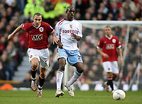 Photo: Paul Thomas.<br /> Manchester United v Aston Villa. The FA Cup. 07/01/2007.<br /> <br /> Henrik Larsson (L) of Man Utd battles with Isaiah Osbourne.