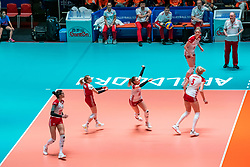 30-05-2019 NED: Volleyball Nations League Netherlands - Poland, Apeldoorn<br /> Malwina Smarzek #17 of Poland, Martyna Grajber #15 of Poland, Robin de Kruijf #5 of Netherlands