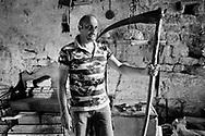 Casteldiluco, Italia - Francesco Amici, imprenditore, ritratto nel suo castello dichiarato inagibile dopo il sisma.<br /> Ph. Roberto Salomone