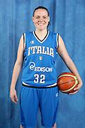 DESCRIZIONE : Alba Adriatica Raduno Collegiale Nazionale Femminile i posati delle giocatrici <br /> GIOCATORE : Marina Crippa<br /> SQUADRA : Nazionale Italia Donne<br /> EVENTO : Raduno Collegiale Nazionale Femminile <br /> GARA : <br /> DATA : 10/05/2009 <br /> CATEGORIA : <br /> SPORT : Pallacanestro <br /> AUTORE : Agenzia Ciamillo-Castoria/G.Ciamillo