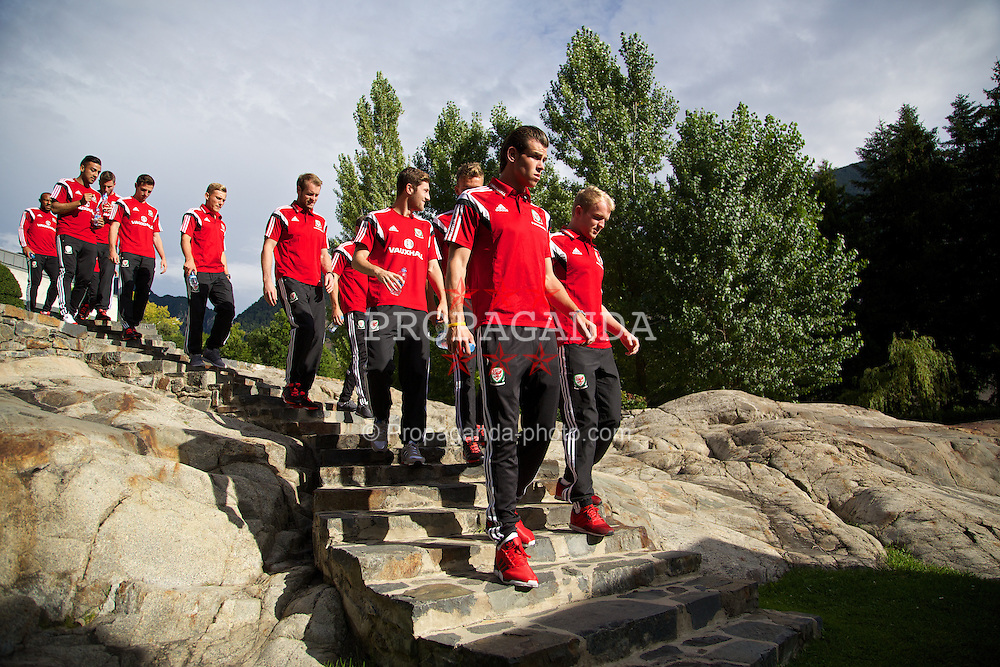 ANDORRA LA VELLA, ANDORRA - Tuesday, September 9, 2014: Wales' Gareth Bale, Jonathan Williams and the squad take a walk at the Andorra Park Hotel before the opening UEFA Euro 2016 qualifying match against Andorra. (Pic by David Rawcliffe/Propaganda)