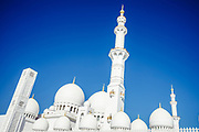 Abu Dhabi, United Arab Emirates (UAE), December 21, 2017. Sheikh Zayed Grand Mosque. Be captivated by the majestic Sheikh Zayed Grand mosque located in the capital city of United Arab Emirates, Abu Dhabi.Abu Dhabi, Emirats Arabes Unis (EAU), 21 décembre 2017. Cheikh Zayed Grande Mosquée. Laissez-vous séduire par la majestueuse mosquée Cheikh Zayed Grand située dans la capitale des Emirats Arabes Unis, Abu Dhabi.