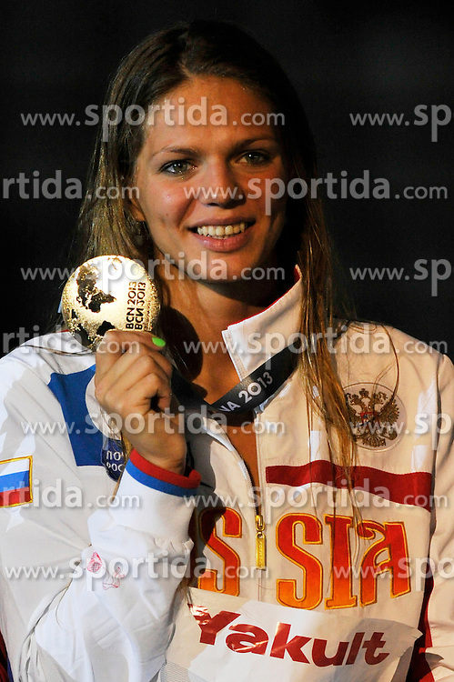 02.08.2013, Barcelona, ESP, FINA, Weltmeisterschaften f&uuml;r Wassersport, Medailliengewinner, im Bild Efimova Yuliya, from Russia, gold medal at 200m Breastrocke Women Finalist Victory Ceremony // during the FINA worldchampionship of waterpolo, medalists in Barcelona, Spain on 2013/08/02. EXPA Pictures &copy; 2013, PhotoCredit: EXPA/ Pixsell/ HaloPix<br /> <br /> ***** ATTENTION - for AUT, SLO, SUI, ITA, FRA only *****