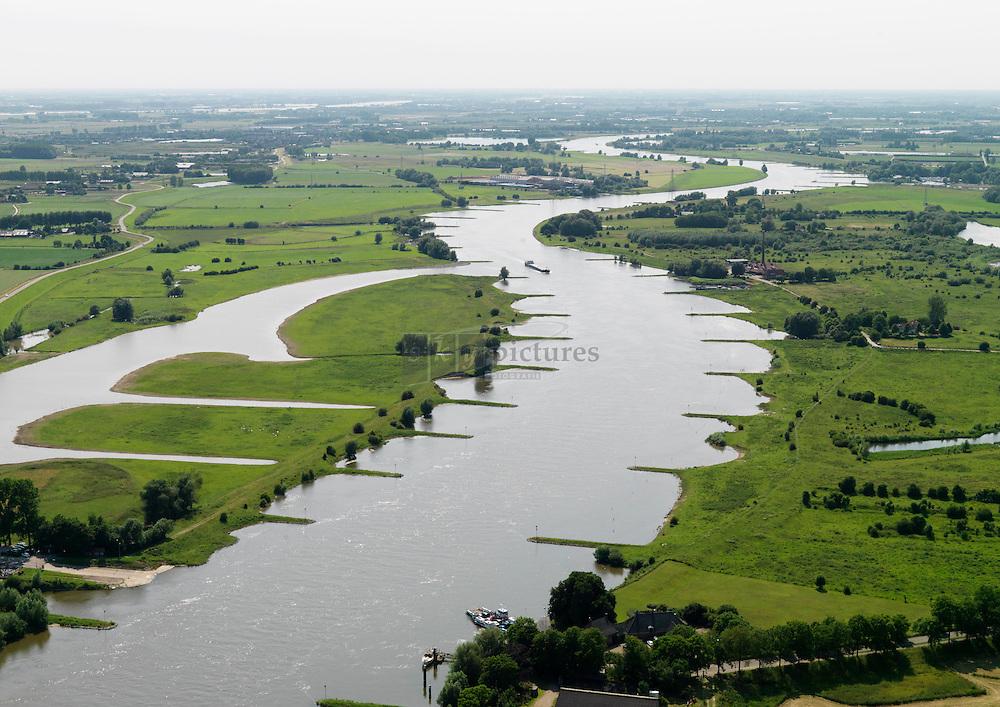 Ruimte voor de rivier Rivier de rijn ter hoogte van Wageningen met kribben