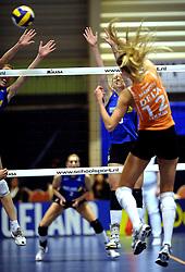 19-04-2008 VOLLEYBAL: AMVJ - DELA MARTINUS: AMSTELVEEN<br /> Martinus wint ook de derde wedstrijd in de best of 7 en is nog een overwinning verwijderd van het landskampioenschap / Antoinette Posthuma<br /> &copy;2008-WWW.FOTOHOOGENDOORN.NL