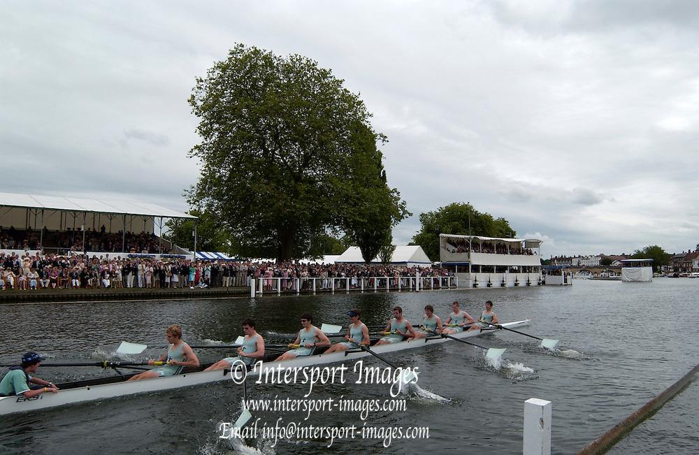 2005 Henley Royal Regatta,  'Princess Elizabeth Challenge Cup', Eton College - winners.  Henley on Thames, ENGLAND. 03.07.2005. Sunday.  Finals day -[photo Peter Spurrier/Intersport Images].[Mandatory Credit Peter Spurrier/ Intersport Images] . HRR.