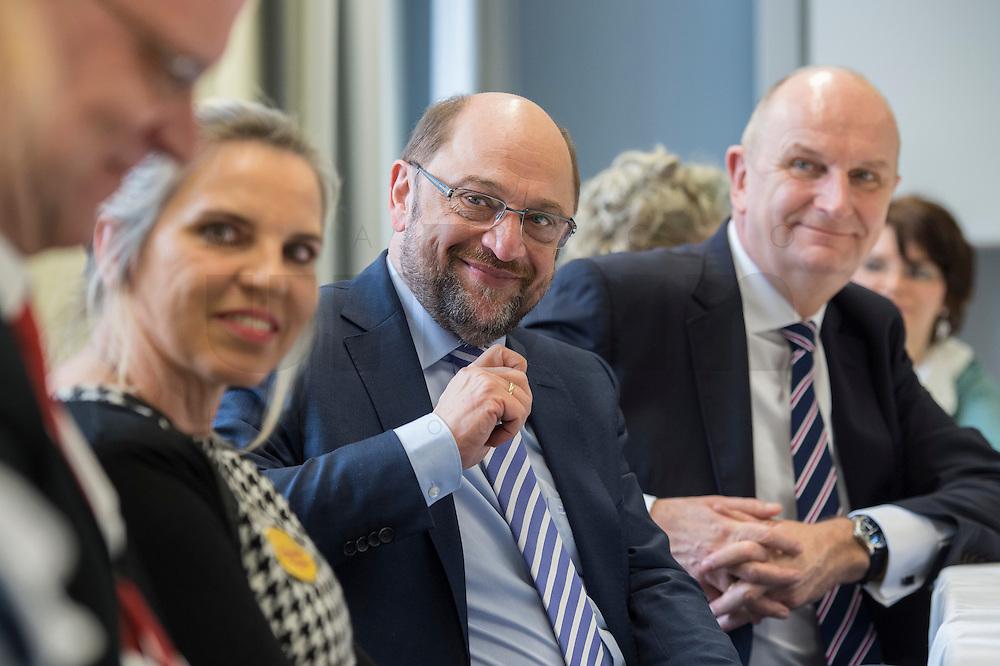 """22 FEB 2017, LUEBBEN/GERMANY:<br /> Martin Schulz (M), SPD, Kanzlerkandidat, und Dietmar Woidke (R), SPD, Ministerpraesident Brandenburg, waehrend ein Treffen mit dem Netzwerk """"Gesund Kinder e.V."""", Spreewaldklinik<br /> IMAGE: 20170222-01-080"""
