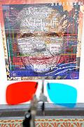 De succesvolle expositie &lsquo;Beeld van Beatrix&rsquo; is vanaf 12 juli 2013 te zien bij Paleis Soestdijk. De 68 bijzondere werken waren voorheen bij Paleis Het Loo tentoongesteld ter gelegenheid van de 75ste verjaardag van koningin Beatrix<br /> <br /> The successful exhibition 'Image of Beatrix' is from July 12, 2013 on display at the Royal Palace Soestdijk The 68 special works were previously exhibited at  Palace Het Loo on the occasion of the 75th birthday of Queen Beatrix<br /> <br /> Op de foto / On the photo:  Expositie / Exibition