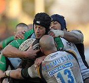 Twickenham, GREAT BRITAIN, Quins, Hal LUSCOMBE, runs into tackles from Dale RASMUSSEN and Sam TUITUPOU, during the Guinness Premiership match, Harlequins vs Worcester Warriors, played at the Twickenham Stoop on Sat. 16th Feb 2008.  [Mandatory Credit, Peter Spurrier/Intersport-images]