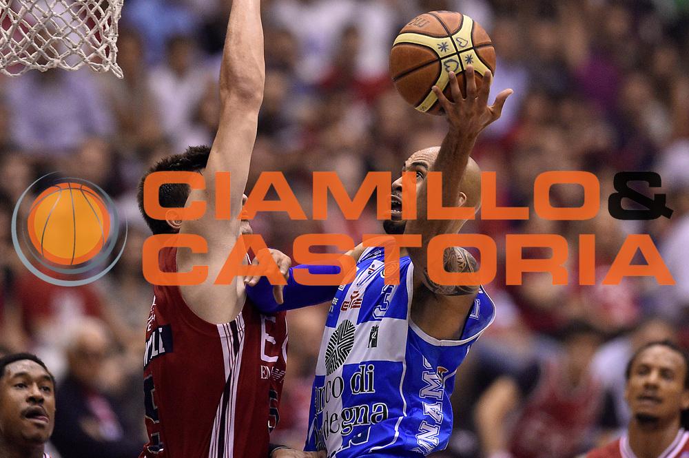 DESCRIZIONE : Milano Lega A 2014-15 EA7 Emporio Armani Milano vs Banco di Sardegna Sassari playoff Semifinale gara 7 <br /> GIOCATORE : David Logan<br /> CATEGORIA : tiro sottomano<br /> SQUADRA : Banco di Sardegna Sassari<br /> EVENTO : PlayOff Semifinale gara 7<br /> GARA : EA7 Emporio Armani Milano vs Banco di Sardegna SassariPlayOff Semifinale Gara 7<br /> DATA : 10/06/2015 <br /> SPORT : Pallacanestro <br /> AUTORE : Agenzia Ciamillo-Castoria/GiulioCiamillo<br /> Galleria : Lega Basket A 2014-2015 Fotonotizia : Milano Lega A 2014-15 EA7 Emporio Armani Milano vs Banco di Sardegna Sassari playoff Semifinale  gara 7 Predefinita :