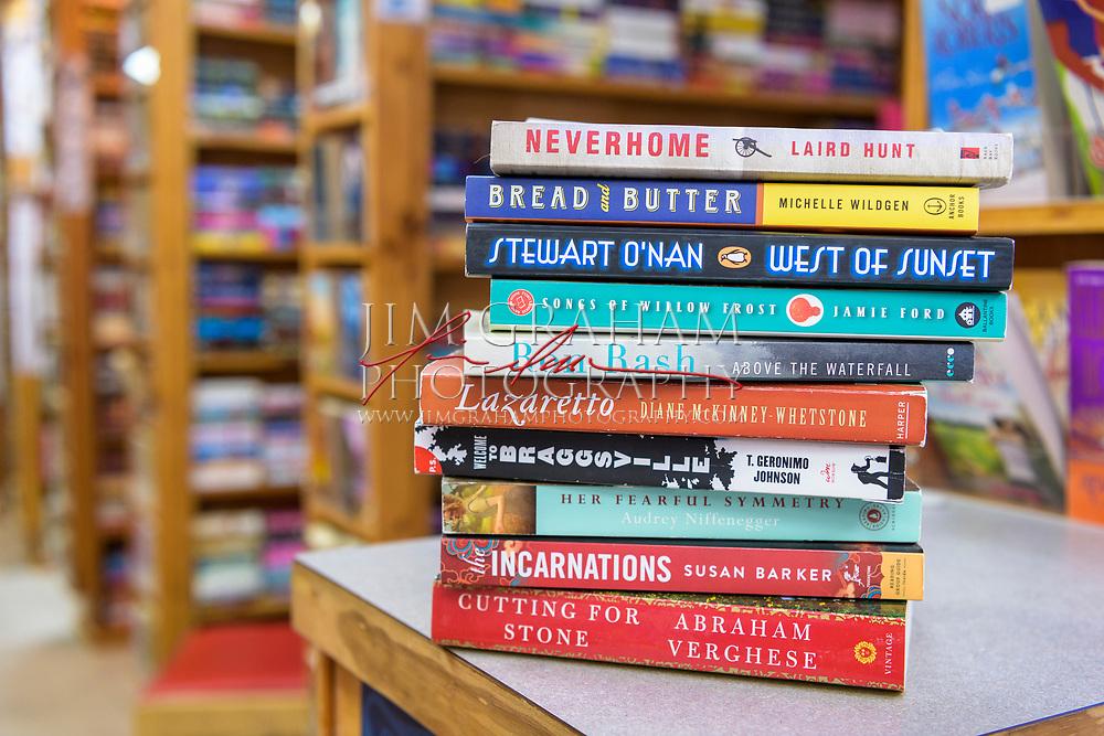 at the Hockessin Book Shelf in Hockessin, De., on 15 September 2017.Photograph by Jim Graham