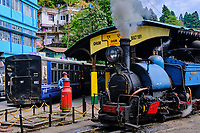 Inde, Bengale Occidental, Darjeeling, gare de Ghum, avec le célebre toy train du Darjeeling Himalayan Railway, Patrimoine Mondial de l'Unesco // India, West Bengal, Darjeeling, Ghum train station for the toy train from Darjeeling Himalayan Railway, Unesco world Heritage