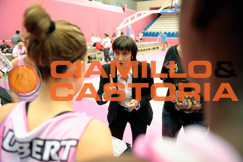 DESCRIZIONE : Ligue Feminine de Basket Open Feminin &agrave; Paris<br /> GIOCATORE : Val&eacute;rie GARNIER<br /> SQUADRA : Toulouse<br /> EVENTO : Ligue Feminine 2010-2011<br /> GARA : Toulouse Aix en Provence<br /> DATA : 17/10/2010<br /> CATEGORIA : Basketball France Ligue Feminine<br /> SPORT : Basketball<br /> AUTORE : JF Molliere par Agenzia Ciamillo-Castoria <br /> Galleria : France Basket 2010-2011 Action<br /> Fotonotizia : Ligue Feminine de Basket Open Feminin<br /> Predefinita :