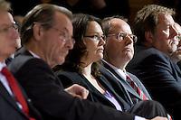 """27 OCT 2008, BERLIN/GERMANY:<br /> Franz Muentefering, SPD Parteivorsitzender, Andrea Nahles, SPD, Stellv. Parteivorsitzende, Peer Steinbrueck, SPD, Bundesfinanzminister, (v.L.n.R.), Veranstaltung """"Sozialdemokratische Antworten auf die Finanzkrise"""", Willy-Brandt-Haus<br /> IMAGE: 20081027-01-016<br /> KEYWORDS: Peer Steinbrück"""