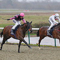 War Of Art and Richard Kingscote winning the 3.05 race