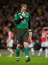 LONDON, ENGLAND - Tuesday, November 11, 2008: Wigan Athletic's .goalkeeper Chris Kirkland looks dejected as Arsenal score the third goal during the League Cup 4th Round match at Emirates Stadium. (Photo by David Rawcliffe/Propaganda)