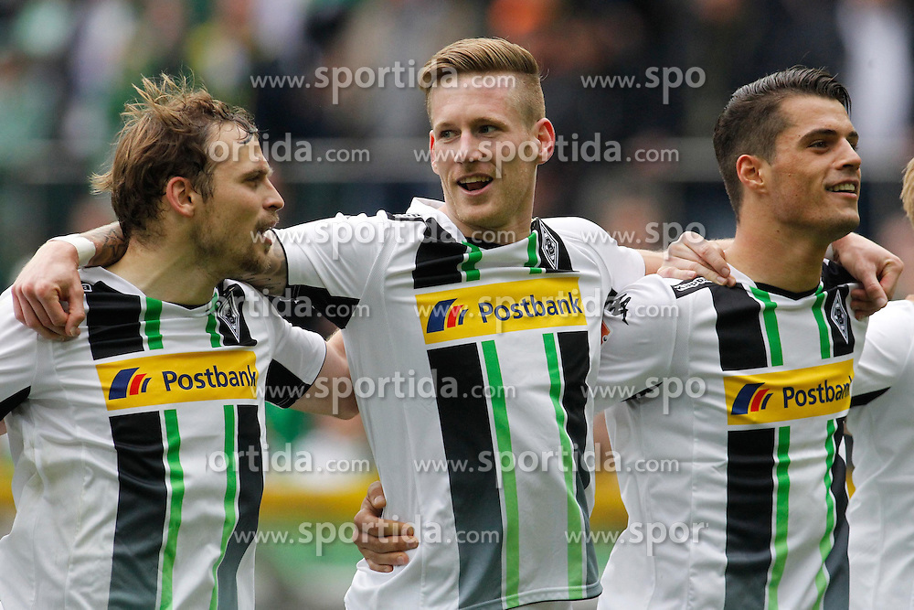 11.04.2015, Borussia Park, Moenchengladbach, GER, 1. FBL, Borussia Moenchengladbach vs Borussia Dortmund, 28. Runde, im Bild Tony Jantschke (Borussia Moenchengladbach #24), Andre Hahn (Borussia Moenchengladbach #28) und Granit Xhaka (Borussia Moenchengladbach #34) // 15054000 during the German Bundesliga 28th round match between Borussia Moenchengladbach and Borussia Dortmund at the Borussia Park in Moenchengladbach, Germany on 2015/04/11. EXPA Pictures &copy; 2015, PhotoCredit: EXPA/ Eibner-Pressefoto/ Sch&uuml;ler<br /> <br /> *****ATTENTION - OUT of GER*****