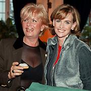 Boekpresentatie Daphne Deckers, Daphne met de moeder van Richard Krajicek, Ludmila Beitl