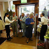 Guests arriving for the opening of Golf St Andrews shop, a joint venture between the House of Bruar and the R&A<br />
