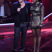 NLD/Hilversum/20121109 - The Voice of Holland 1e liveuitzending, Martijn krabbe en Leonna Phillipo